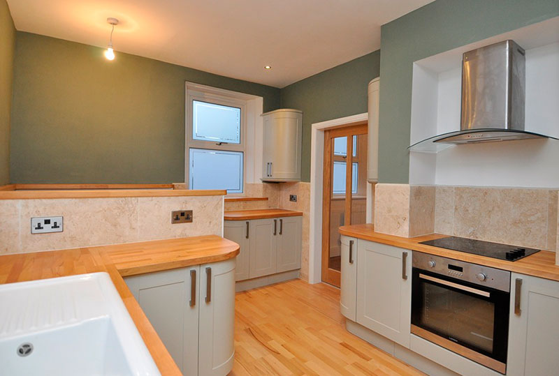 Thorn Lodge: Buying in Auction: Kitchen Conversion
